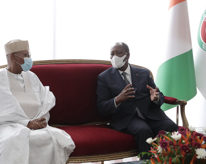 Le Président Alassane OUATTARA et Mohamed Ibn CHAMBAS 1