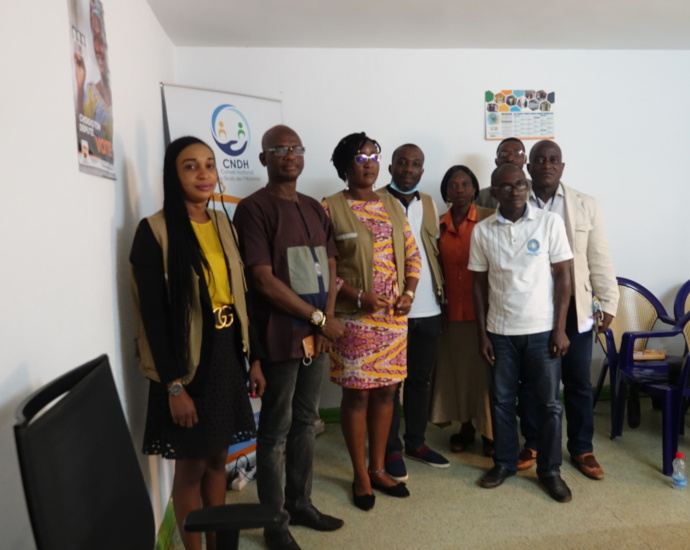 Les membres de la CNDHCI du Sud-Comoé et la presse locale